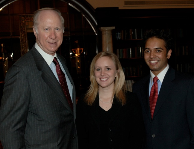 Elon Law advisory board chair David Gergen with alumni